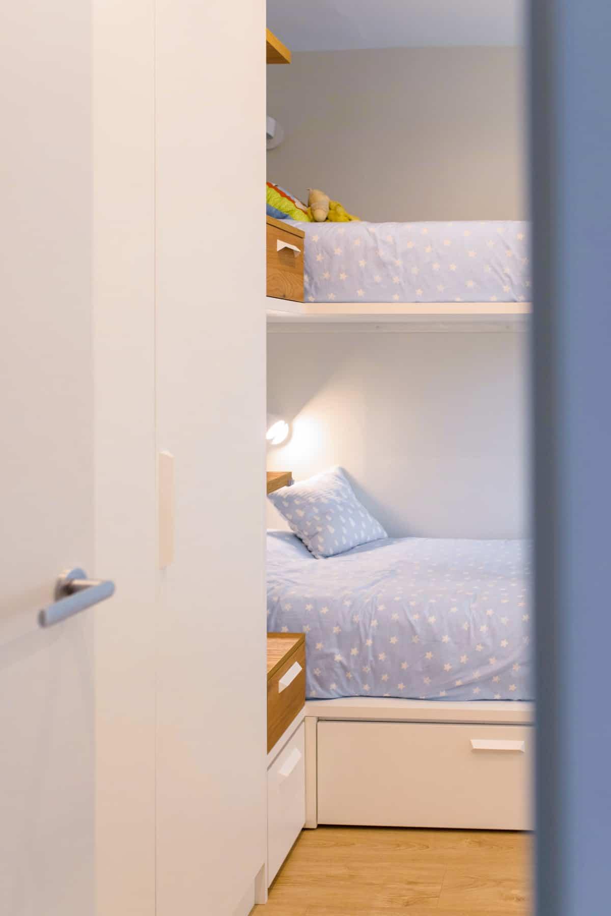 Detalle habitación infantil literas